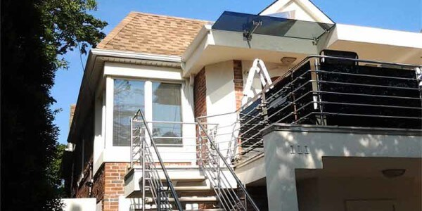 installation glass metal railing residential house balcony-brooklyn nyc