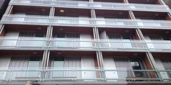 installation glass railing residential balcony brooklyn nyc