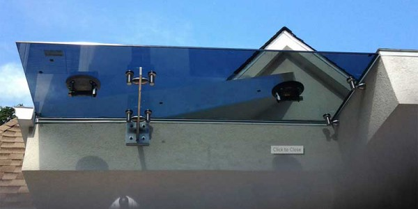 steel frame tinted glass canopy